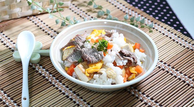 嫩煎豆腐牛肉風味拌飯